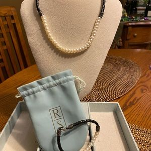 Authentic Ross-Simons freshwater 2 piece set